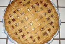 evie's rhubarb pie with oatmeal crumble