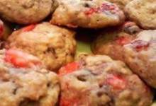 fresh strawberry-oatmeal cookies