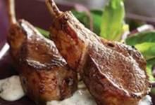 Lamb Chops with Minted Yogurt Sauce