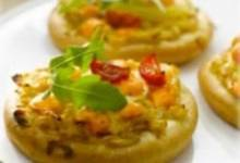 mini veggie pizza with maille® honey dijon mustard