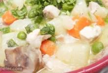 Mom's Comforting Chicken Stew