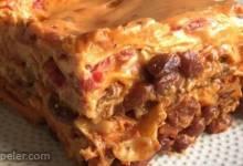 Ooey Gooey Chili Mac Lasagna