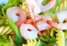 pasta salad with avocado and shrimp