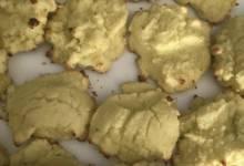 pistachio keto cookies