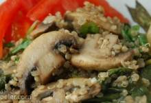 Robin's Quinoa with Mushrooms and Spinach