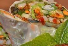 shrimp summer rolls with asian peanut sauce
