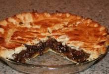 simple raisin pie