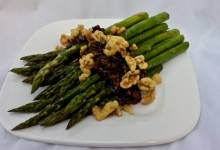 skillet asparagus with caramelized onions and walnuts