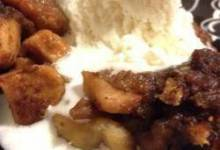 slow cooked apple brown betty