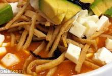 Sopa de Tortilla (Real Mexican Tortilla Soup)