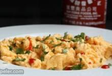 Sriracha Scrambled Eggs