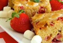 strawberry-marshmallow blondies