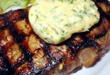 Tenderloin with Spicy Gorgonzola-Pine Nut-Herb Butter