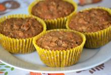 toasted oat muffins with apricots, dates, and walnuts