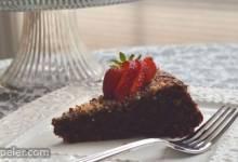 Torta Caprese con le Noci (talian Chocolate Cake)