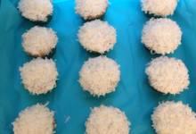 vegan pumpkin cupcakes with coconut