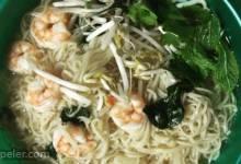 Vietnamese-Style Shrimp Soup