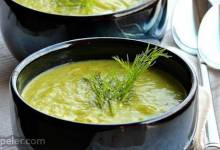 Zucchini Fenchel Suppe (Zucchini and Fennel Soup)